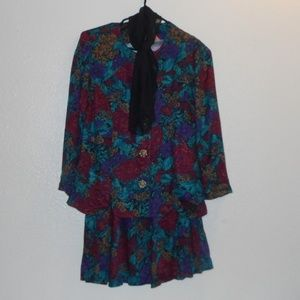 Jessica Howard 2 pc skirt and jacket/top